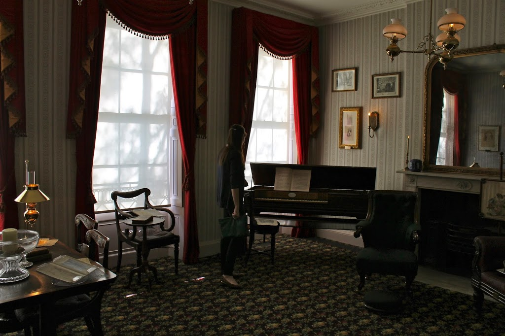 dickens parlour