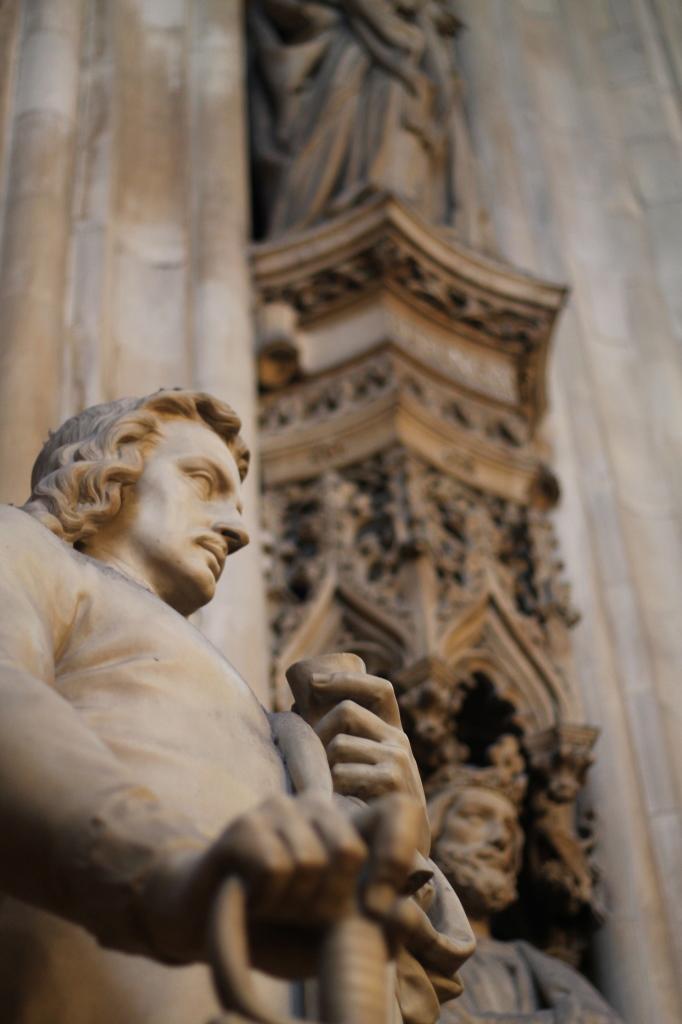 statues closeup