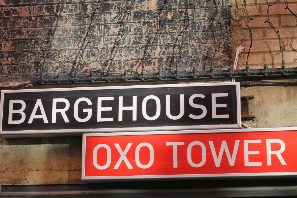 barge house sign