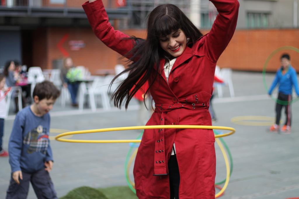 me hula hooping