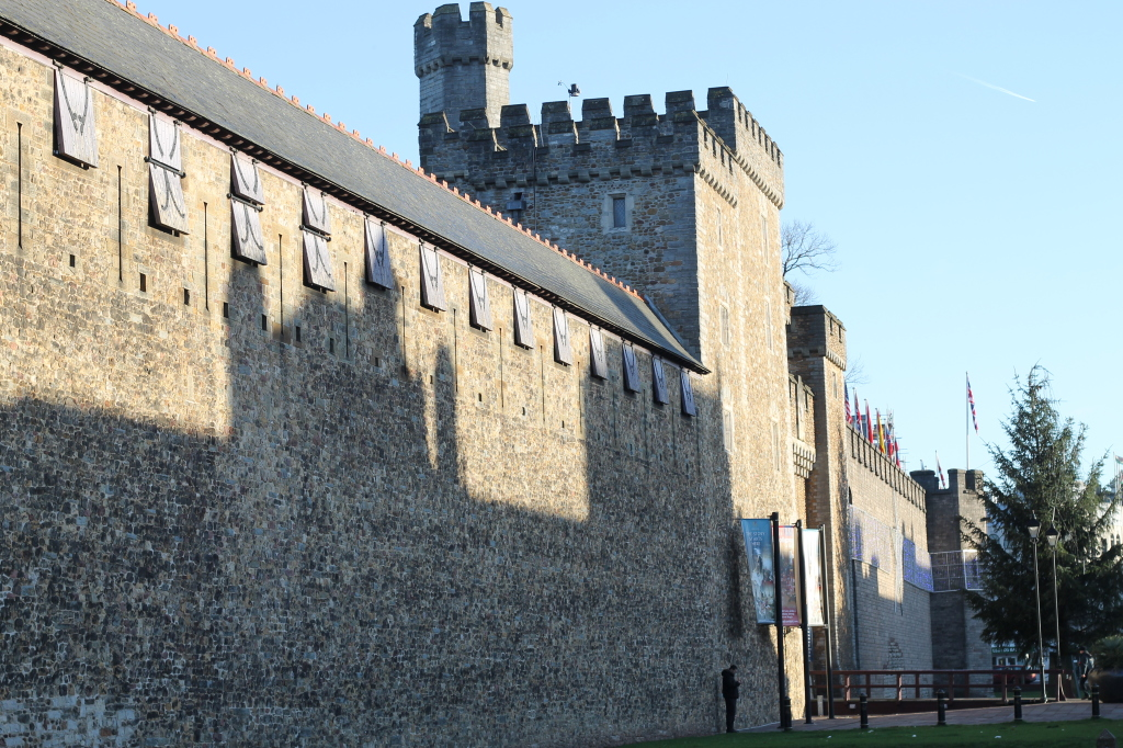 walls of cardiff castle