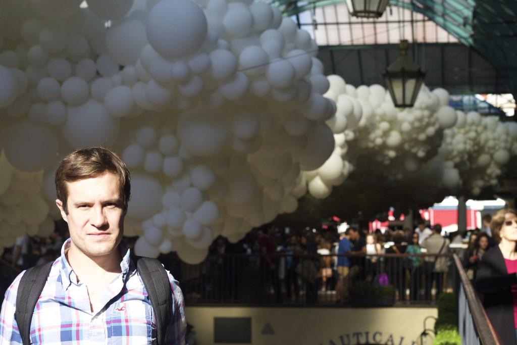 sam and balloons