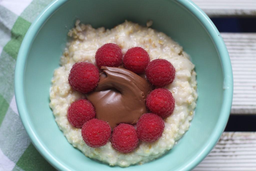raspberry nutella porridge