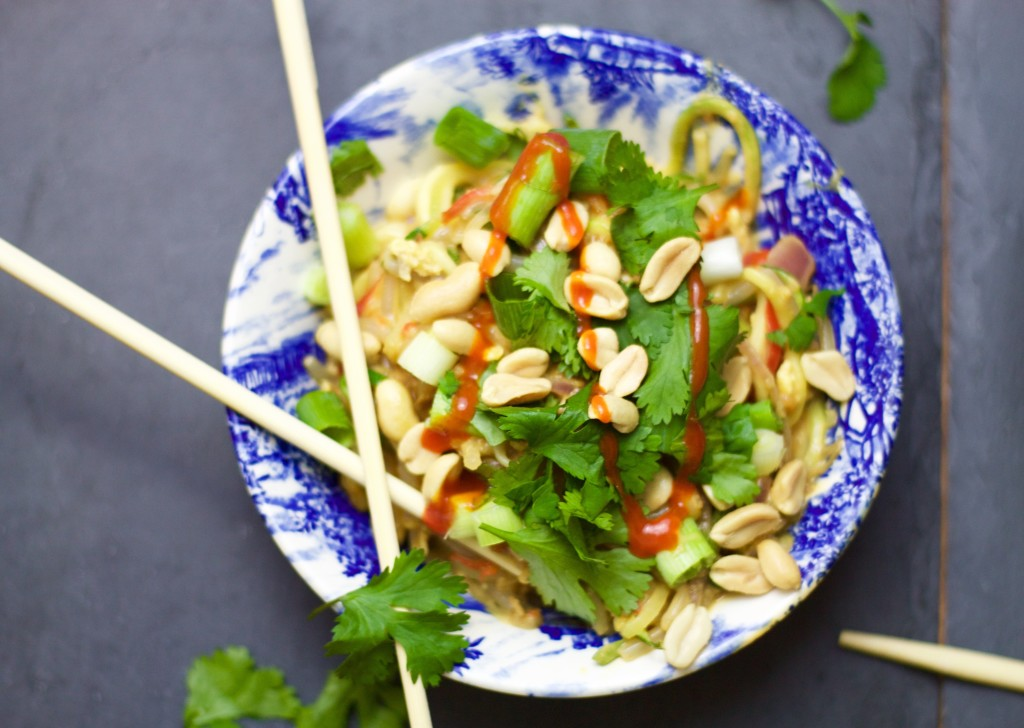 close up of pad thai