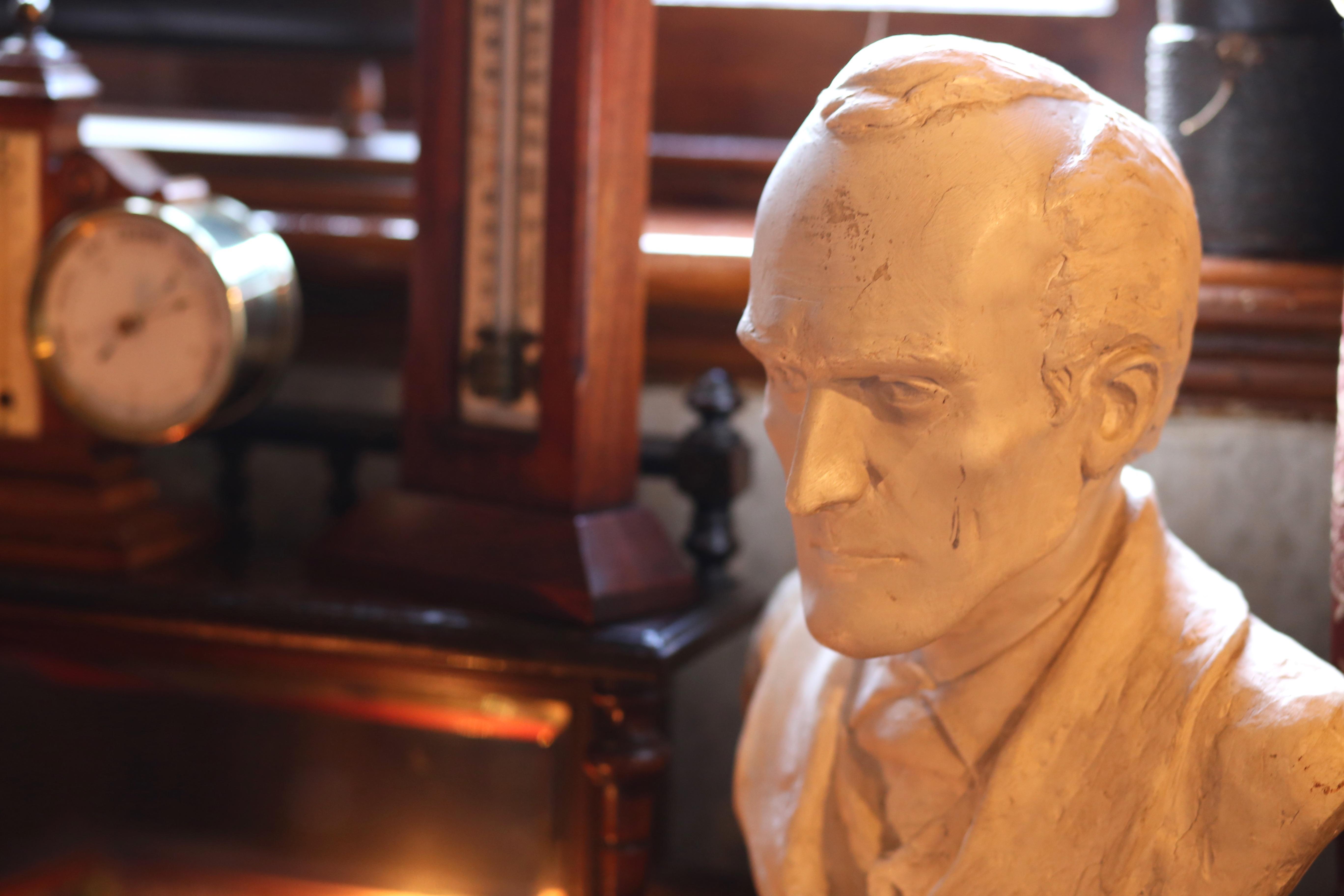 london sherlock holmes museum rhyme ribbons sherlock bust sherlock holmes