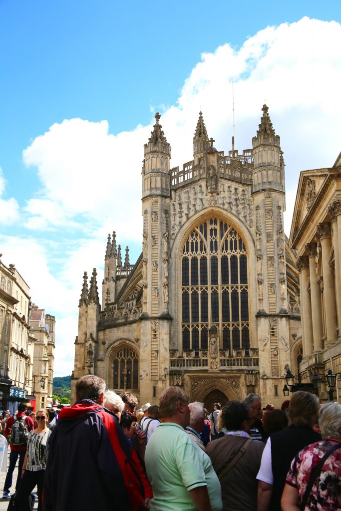 crowds by bath