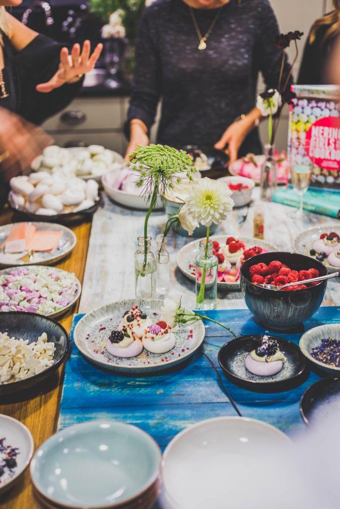 meringue-table