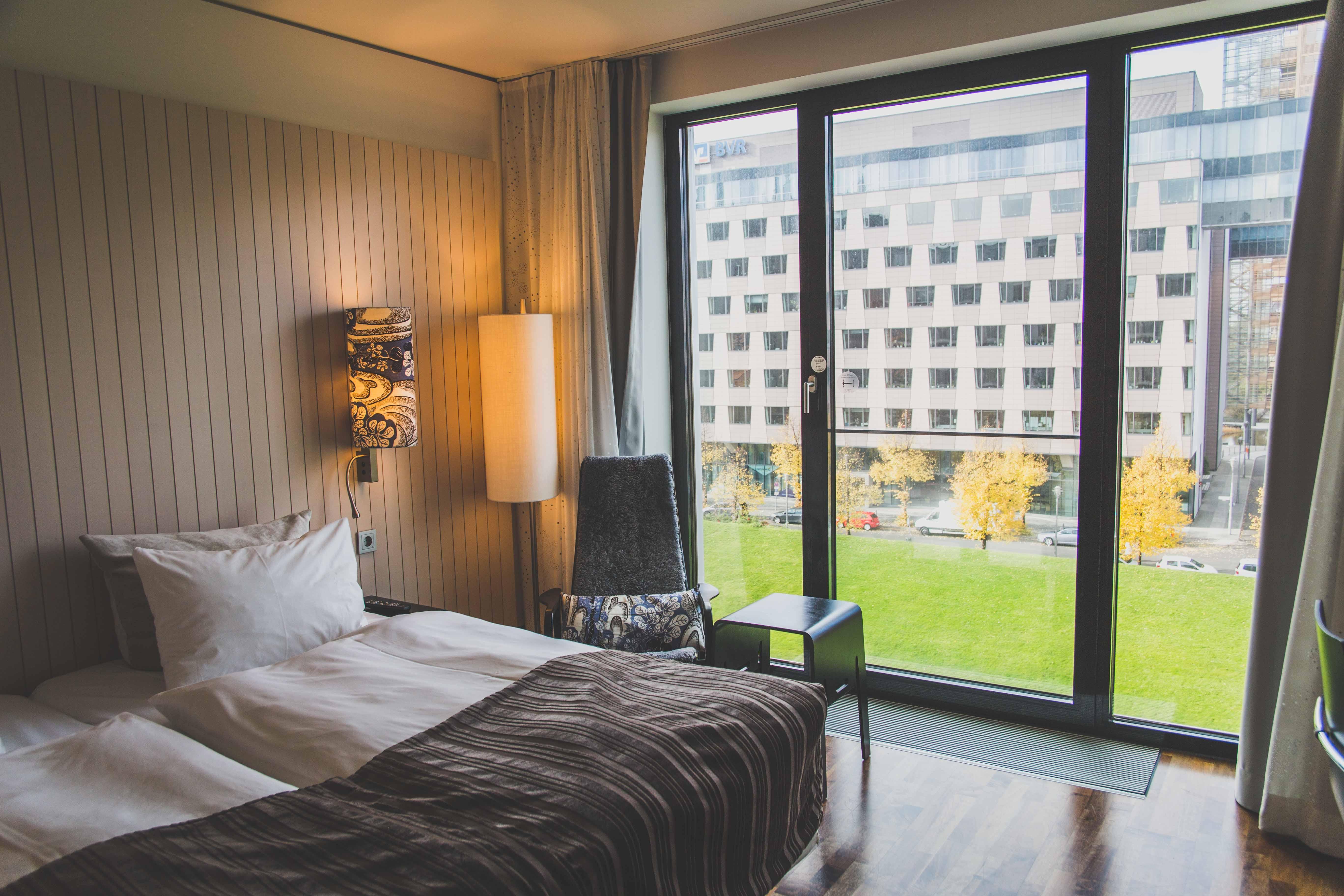 travel scandic hotel berlin rhyme ribbons. Black Bedroom Furniture Sets. Home Design Ideas