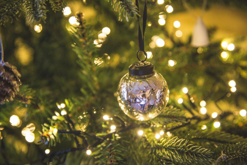 christmas-tree-baubles