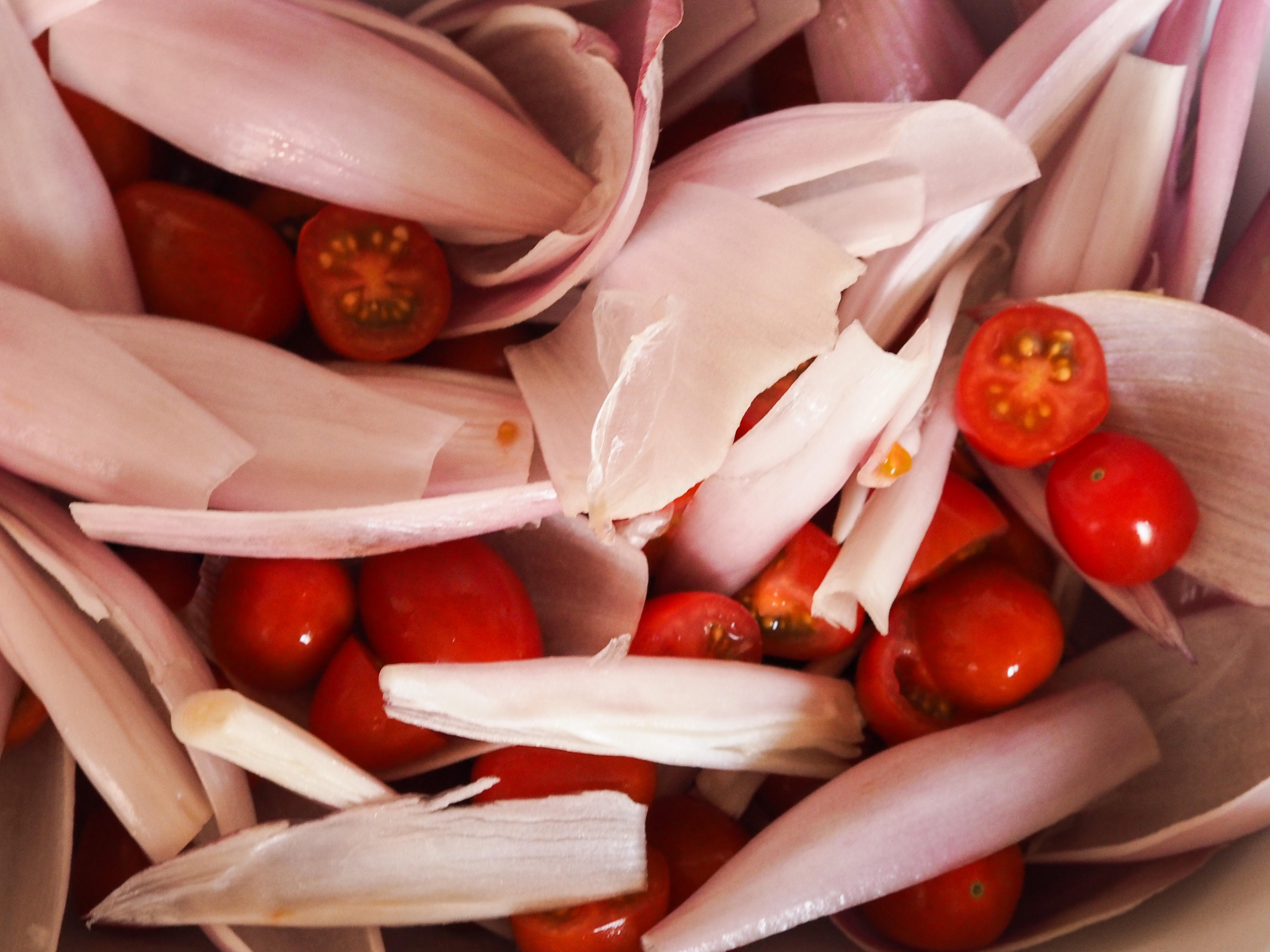tomatoes and shallots