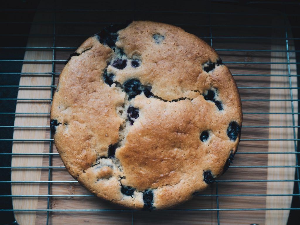 vegan-lemon-and-blueberry-cake-cooling 1