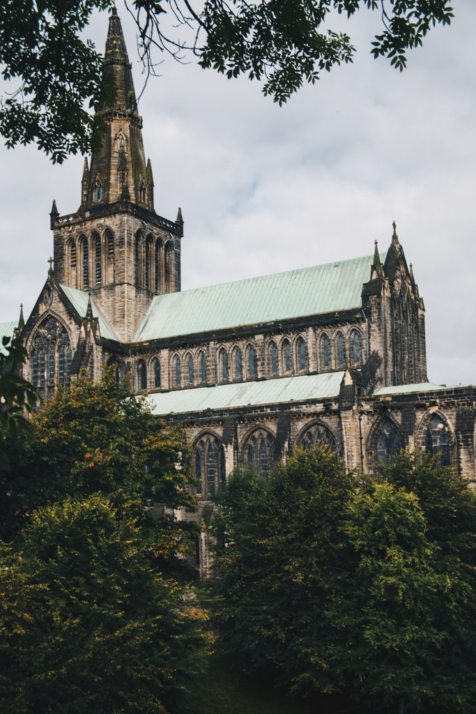 glasgow cathedral from the side