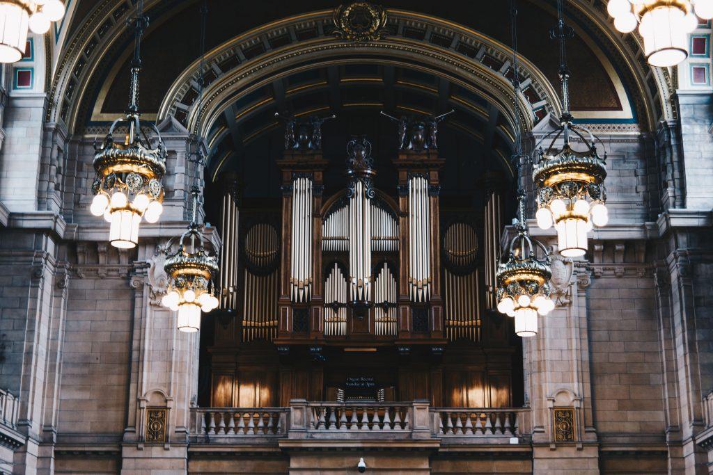 organ in the kelvingrove museum