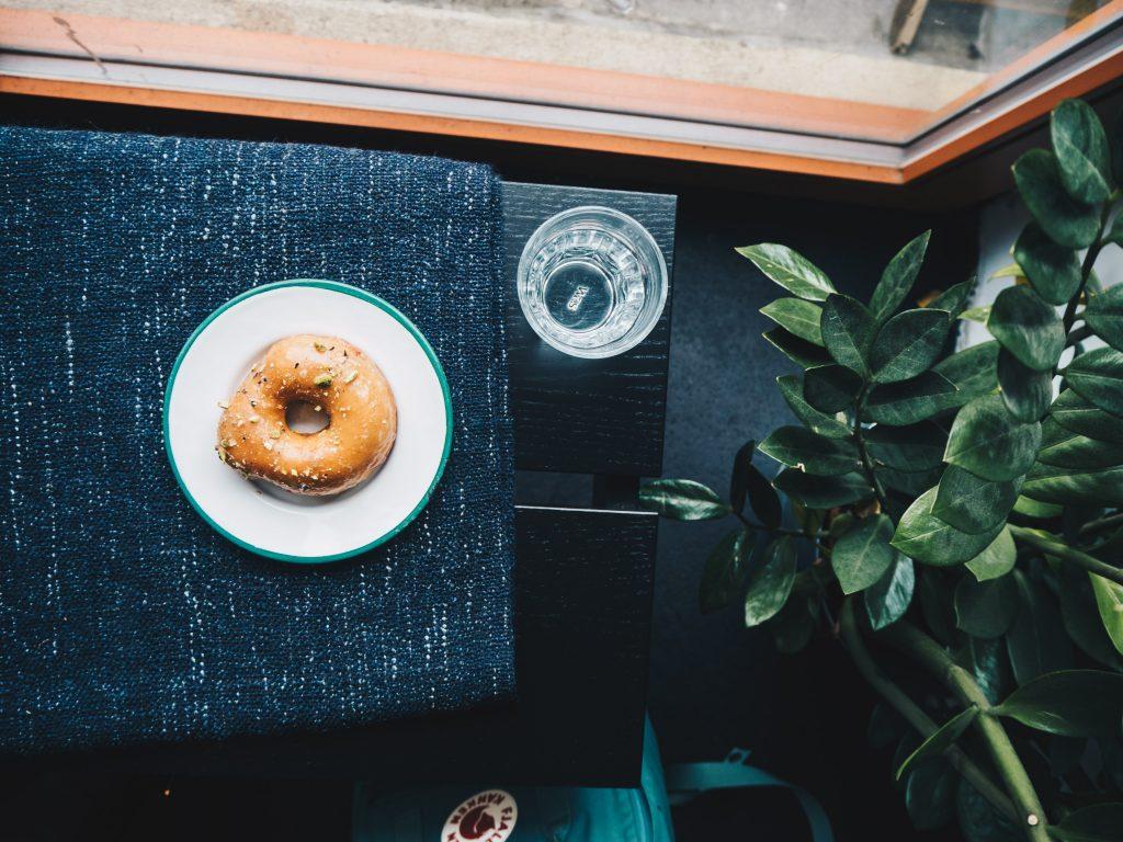 pistachio vegan donut