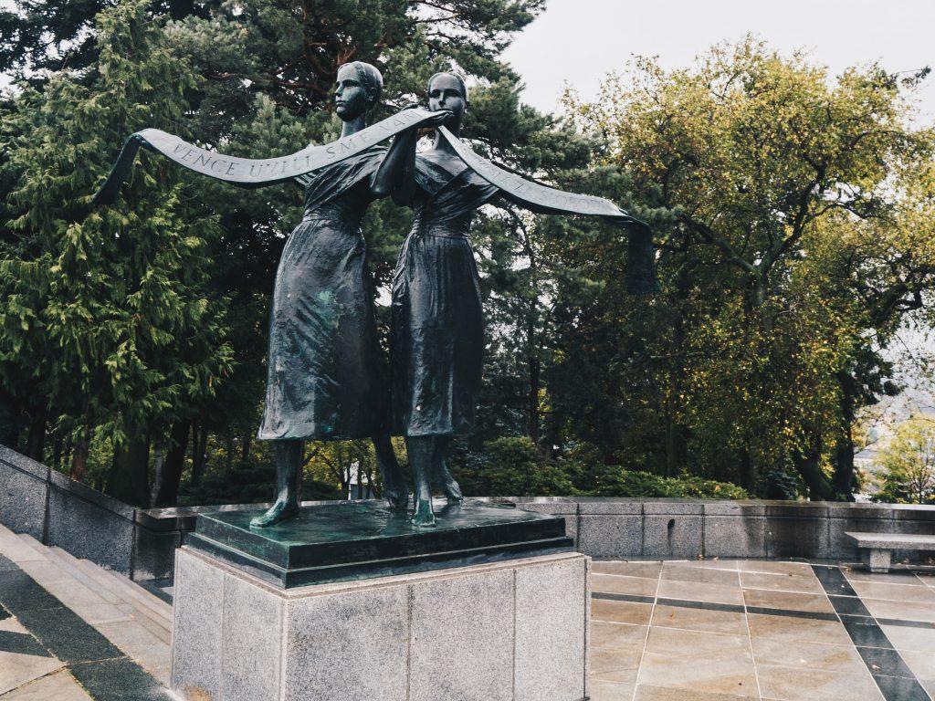slavin statue