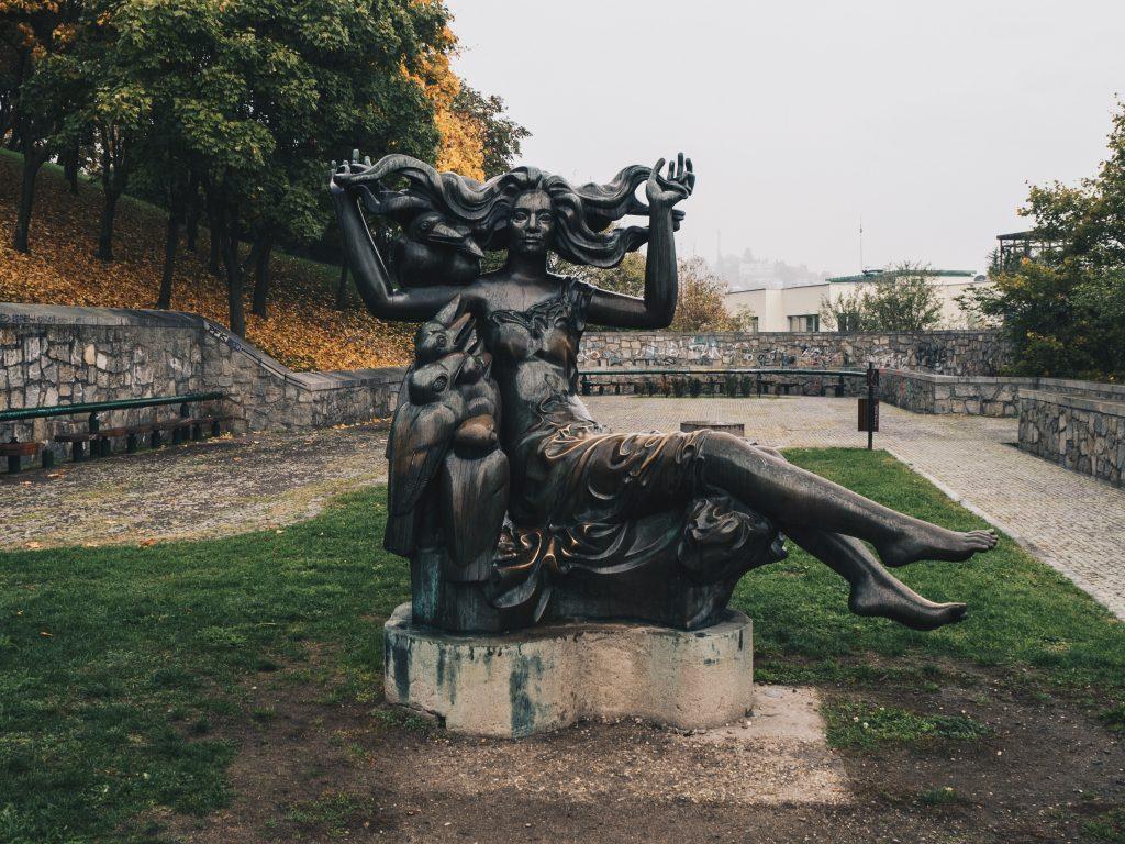 statue Bratislava Castle