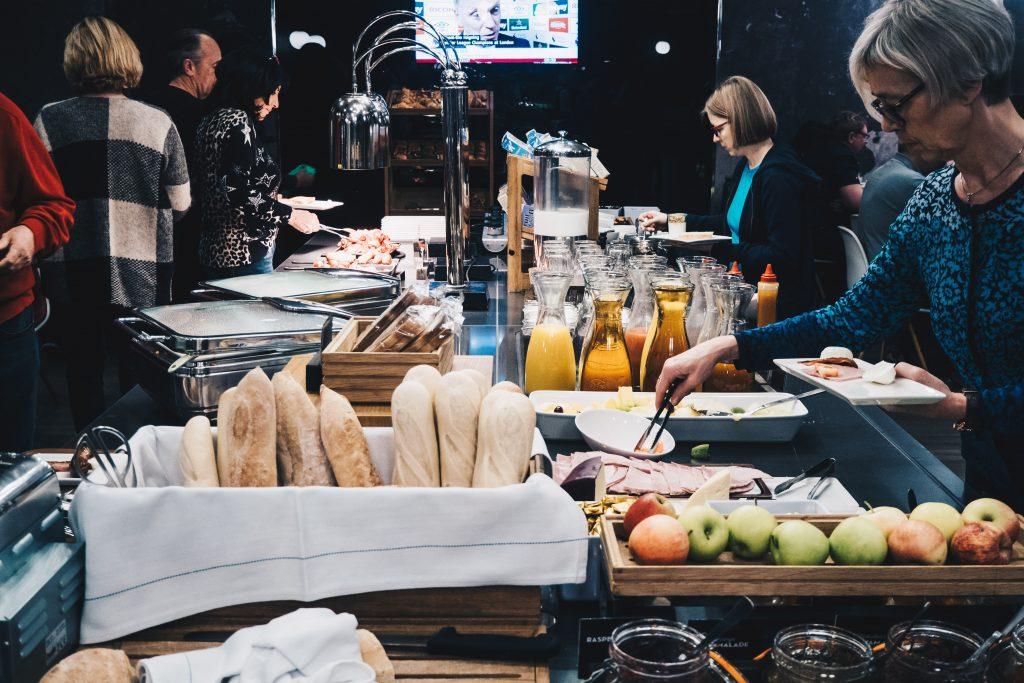 ibis breakfast buffet