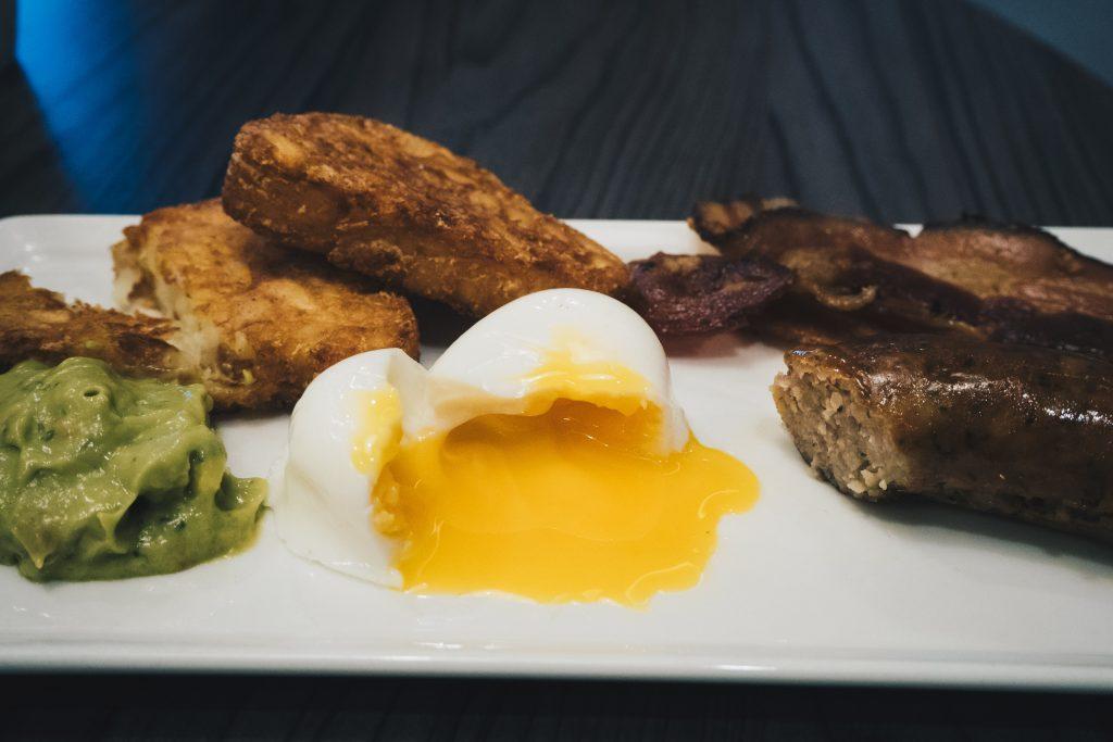 ibis breakfast poached egg