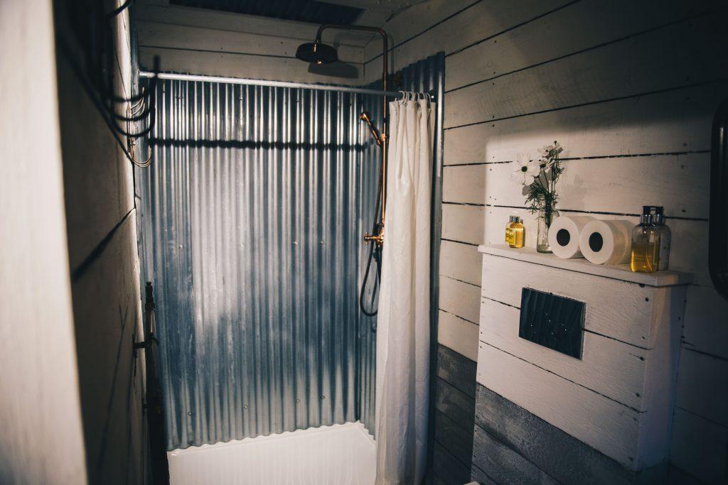 hideaway cabin shower