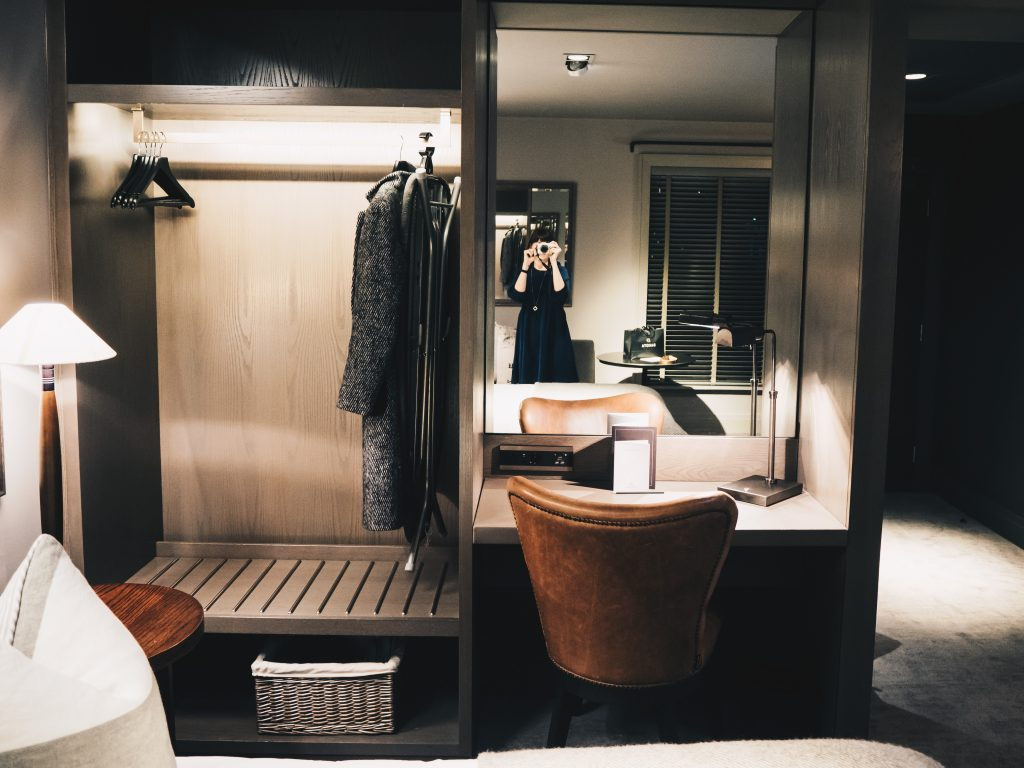 hotel room at dakota deluxe